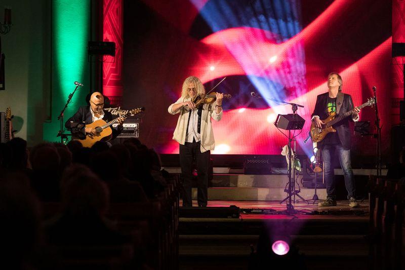 """Nacht der erleuchteten Kirche in Eibenstock mit """"TAKAYO"""""""